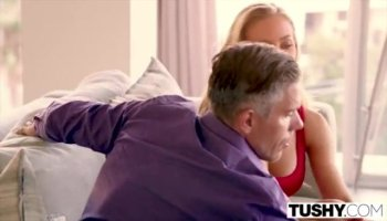 Charming babe acquires deep gratifying from stud